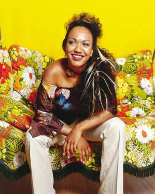 VENUS MALONE on tour with German roots & soul flavoured reggae singer Patrice …