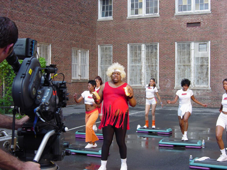 BIZ MARKIE feat. ELEPHANT MAN -Let Me See You Bounce: the video …
